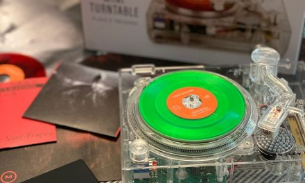 """RSD 2020 A 'CLEAR"""" SPIN ON THE MINI-TURNTABLE"""